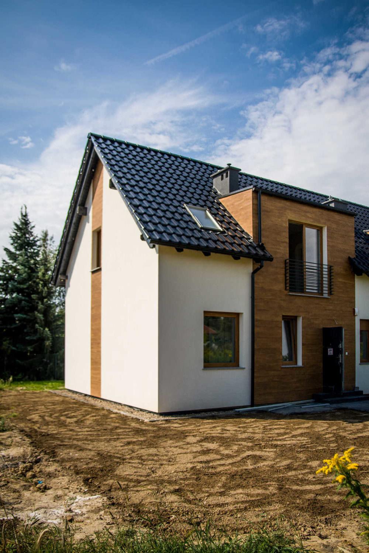 Fotografia budynków jednorodzinnych w Kiełczowie 1
